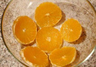 Легкий десерт из йогурта с фруктами