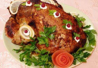 Курица фаршированная орехами и фруктами
