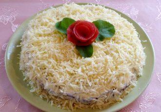 Закусочный тортик из куриной печени