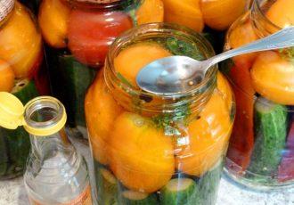 Огурцы и помидоры в кисло-сладком маринаде