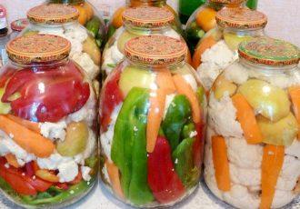 Цветная капуста со сладким перцем в маринаде