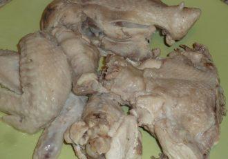 Борщ со свежей капустой и курицей
