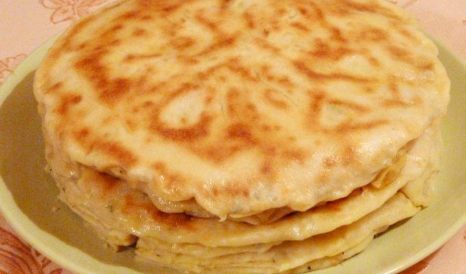Хычины с картофелем, сыром и зеленью