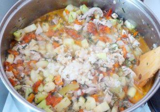 Овощное рагу с курицей и перцем
