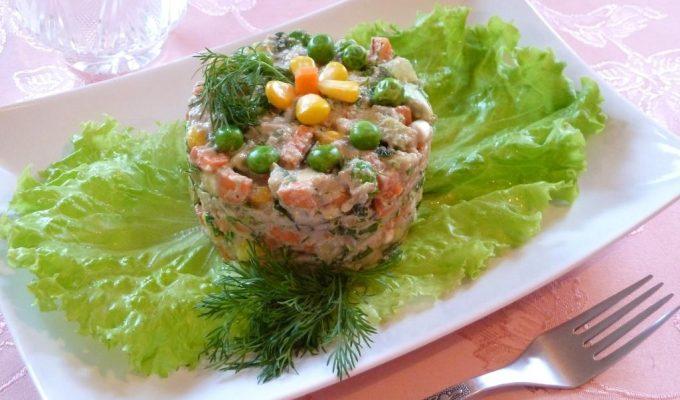 """Сыроедческий салат """"почти ОЛИВЬЕ"""""""
